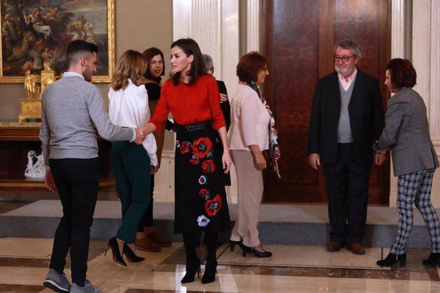 La Reina recibe a familias e hijos de asesinadas por violencia de género y expre
