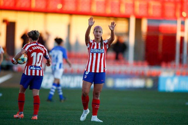 Denya Castellanos, con el Atlético de Madrid de Primera Iberdrola