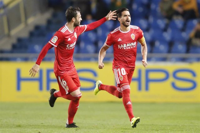 Javi Ros celebra el gol del triunfo del Real Zaragoza