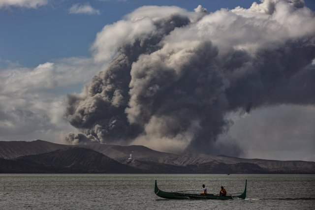 Erupción del volcán Taal, Filipinas