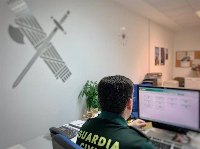 Guardia Civil en la investigación por una estafa a una mujer en Alcuéscar