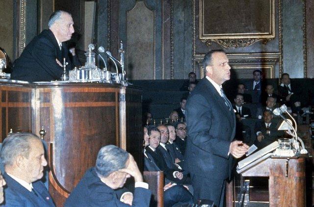 15 DE MARZO DE 1966 - CONGRESO DE LOS DIPUTADOS, MADRID, ESPAÑA: El ministro de Información y Turismo, Manuel Fraga, durante su discurso con motivo de la promulgación de la Ley de Prensa.