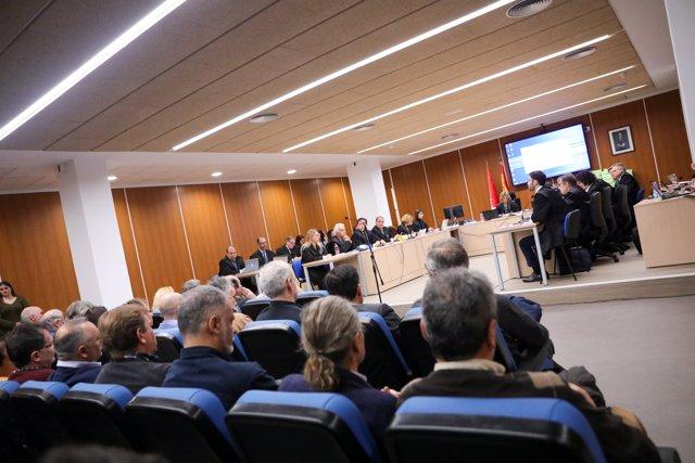 Interior de la sala en la que se ha desarrollado la primera jornada del macrojuicio a los controladores aéreos, por un delito de abandono de servicio público por paralizar la actividad aeronáutica entre los días 3 y 4 de diciembre de 2010.