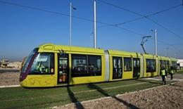 Imagen de archivo del tranvía de Jaén circulando en pruebas./Archivo