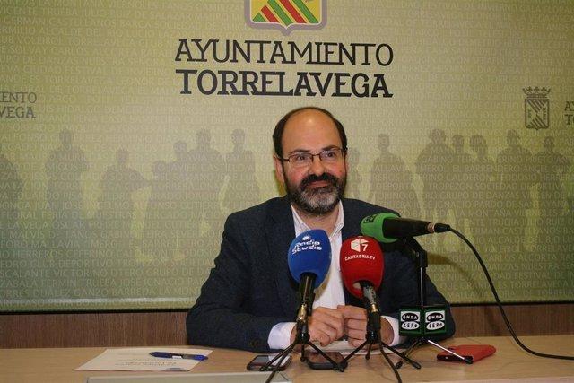 El concejal de Medio Ambiente de Torrelavega, José Luis Urraca Casal