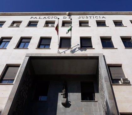 Condenado a dos años de cárcel por abalanzarse sobre una niña en Almería y besarla en la boca