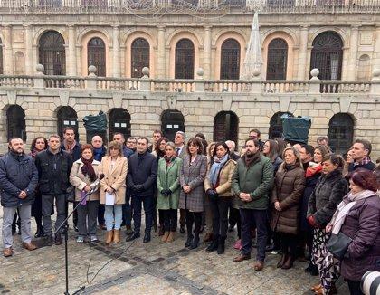 Instituciones y partidos condenan en Toledo el asesinato de una mujer a manos de su hijo tras agredirla sexualmente