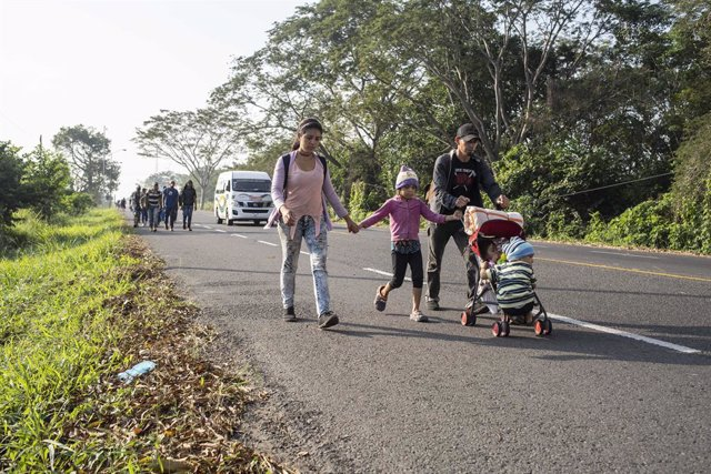 Honduras.- Una nueva caravana de migrantes parte desde Honduras con destino a EE