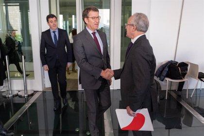 """Feijóo aplaude la implicación de las empresas con el Xacobeo y urge al Gobierno a """"concretar"""" su colaboración"""