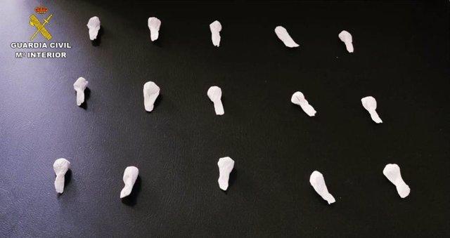 Papelinas de heroína incautadas a dos vecinos de Benalup