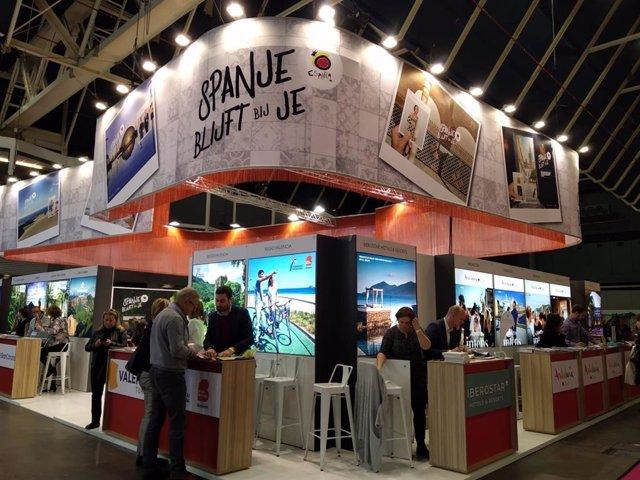 Expositor de Turespaña en la Feria Vakantiebeurs en el que participa la ruta Caminos de Pasión.