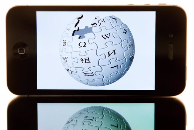 Una imagen del logotipo de la enciclopedia digital Wikipedia