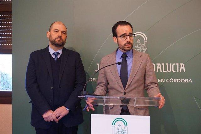 Herrador (dcha.) y Quesada presentan las ayudas concedidas por la Junta a la UCO