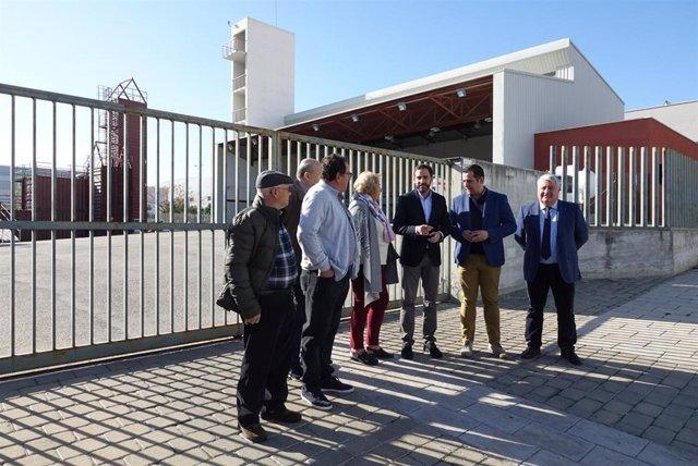 Pérez y ediles socialistas en el parque de bomberos de Campanillas