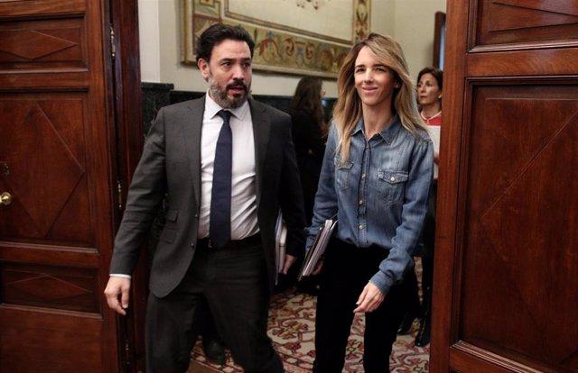 La portavoz del Partido Popular en el Congreso, Cayetana Álvarez de Toledo y el secretario general del Grupo Popular, Guillermo Marisca, a su llegada a la Junta de Portavoces del Congreso de los Diputados, en Madrid (España), a 15 de enero de 2020.