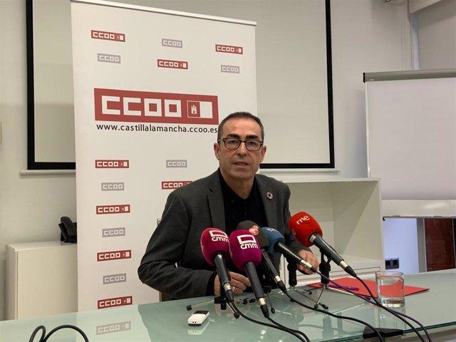 El secretario regional de CCOO, Paco de la Rosa