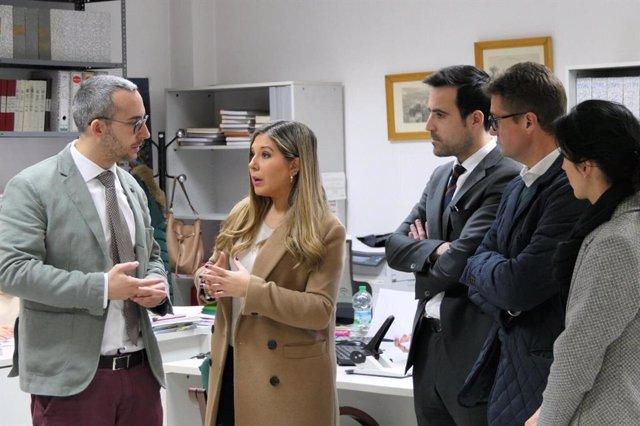 Vicita de la delegada de Turismo, Regeneración, Justicia y Administración Local en Jaén, Raquel Morales, a los juzgados de Villacarrillo