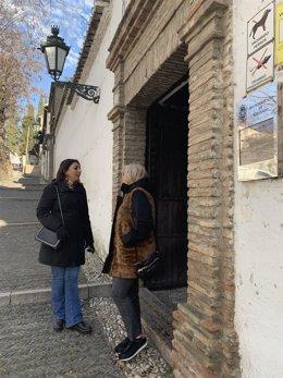 Las concejalas Raquel Ruz y María de Leyva en el Palacio de los Córdova