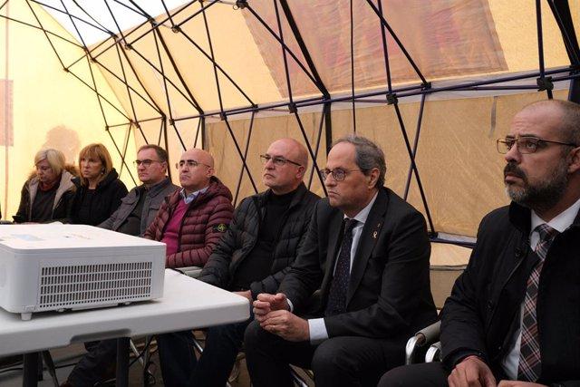 El conseller de l'Interior de la Generalitat, Miquel Buch i el president, Quim Torra, al Centre de Comandament de Bombers a la Canonja (Tarragona), el 15 de gener del 2020.
