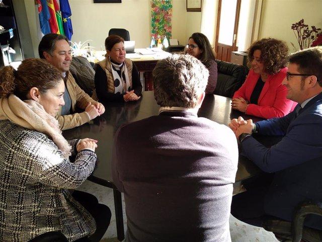 Los diputados provinciales de Cs, Carmen Santa María y Manuel Benjumea, visitan a La Roda de Andalucía