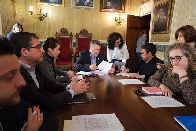 El alcalde de Tarragona, Pau Ricomà, convoca una junta de portavoces para hablar de la explosión en la planta petroquímica de La Canonja