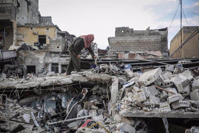 Daños causados por los bombardeos del Ejército de Siria contra la ciudad de Idlib, capital de la provincia homónima