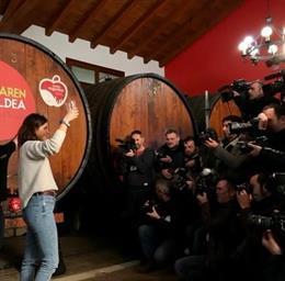 La cantante Izaro abre la temporada de txotx en Astigarraga