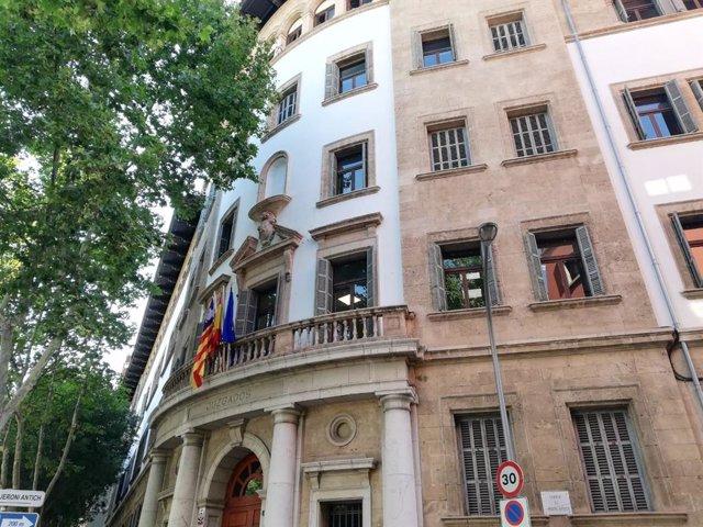 El edificio de los Juzgados de Palma, en Avenida Alemania.