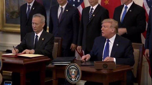Economía.- EEUU firma la paz comercial con China y se compromete a eliminar los