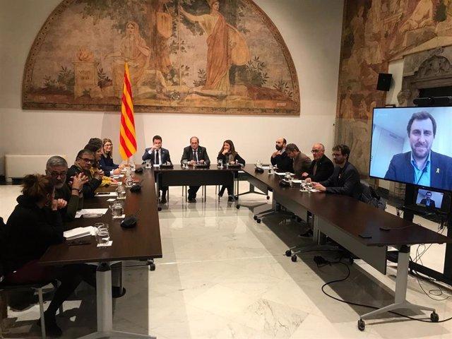 Reunión del presidente de la Generalitat, Quim Torra, el vicepresidente, Pere Aragonès, y la consellera de Presidencia, Meritxell Budó, con partidos y entidades independentistas