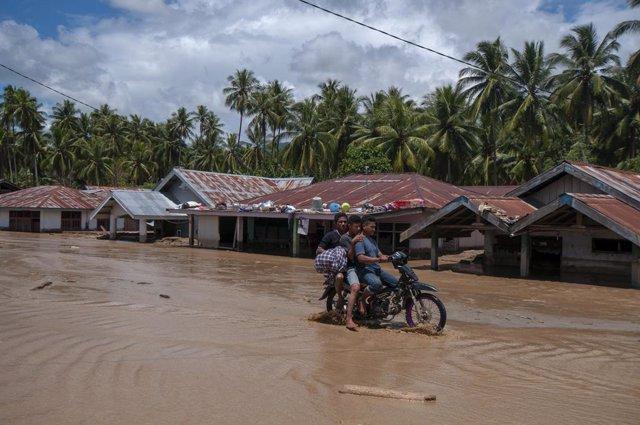 Indonesia.- El aumento del nivel del mar por el cambio climático se traga dos pe