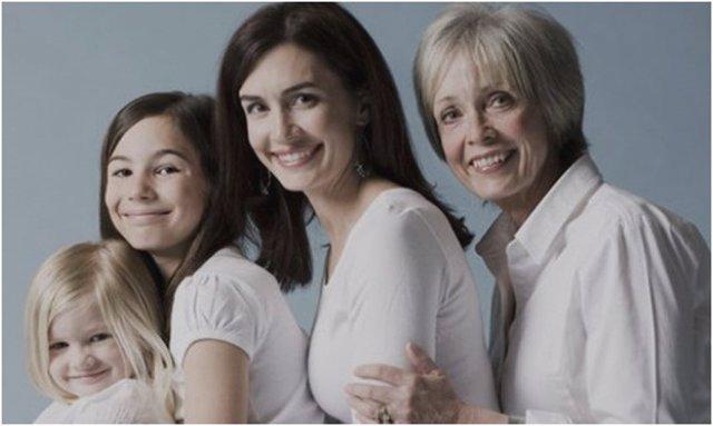 Las necesidades nutricionales de la mujer van cambiando a lo largo de su vida, desde la infancia a la menopausia, pasando por la edad reproductiva, el embarazo y la lactancia
