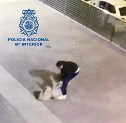 Policía Nacional detiene al presunto autor de robar con violencia a una joven