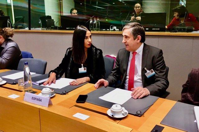 Odette Álvarez y Raúl Pelayo durante la reunión