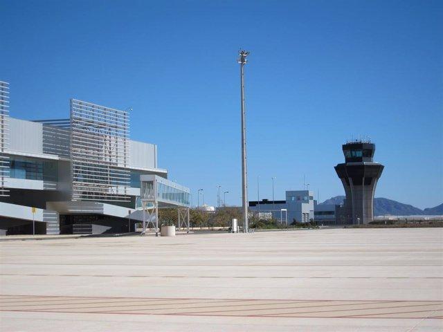 Aeropuerto de Corvera. Terminal de pasajeros. Aeropuerto Internacional de la Región de Murcia. Avión. Turismo. Torre de control
