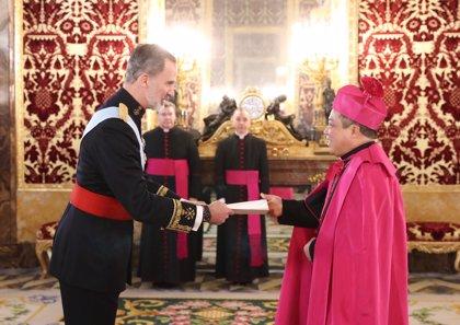 El nuevo Nuncio del Vaticano en España presenta sus cartas credenciales al  Rey