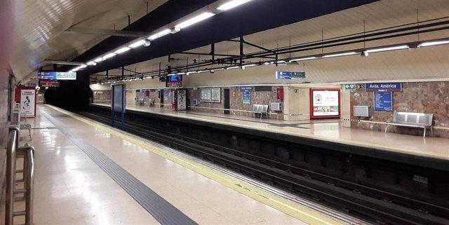 Imagen de archivo de un andén de la Línea 4 de Metro de Madrid en Avenida de América.