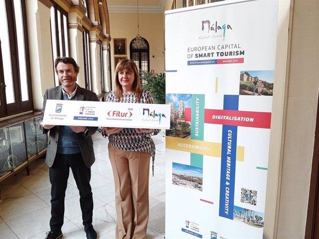 Paco Quereda, director del Convenion Bureau de Málaga, y la concejala de Turismo, Rosa Sánchez.