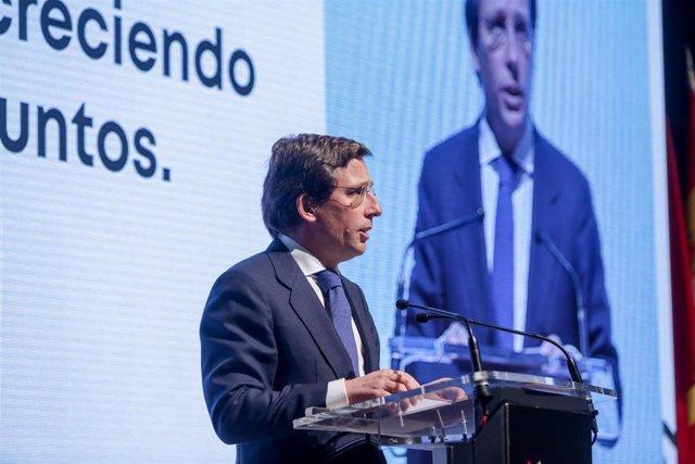 El alcalde de Madrid, José Luis Martínez-Almeida inaugura la jornada bajo el título `Crónica de cuatro décadas de Ifema con motivo del 40 aniversario de la Feria de Madrid (IFEMA), en Madrid (España), a 15 de enero de 2020.