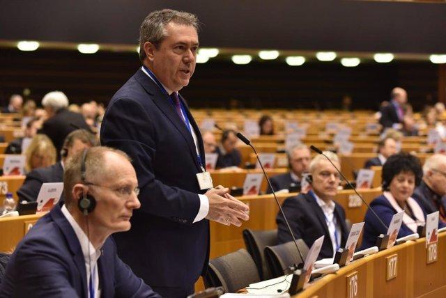 El alcalde de Sevilla, Juan Espadas, durante su intervención en Bruselas