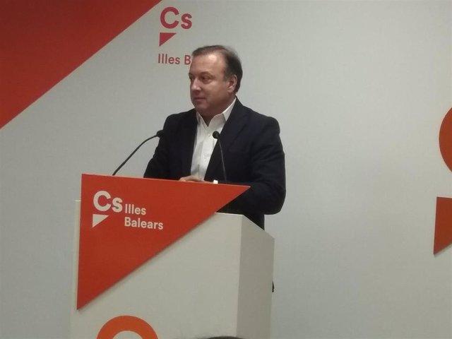 El portavoz del Comité Autonómico de Ciudadanos Baleares, Joan Mesquida, en rueda de prensa.