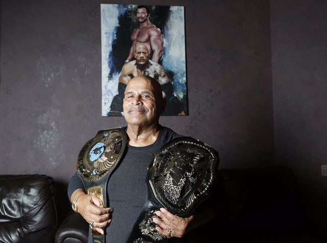 Rocky Johnson, padre de Dwayne Johnson y luchador de la WWE