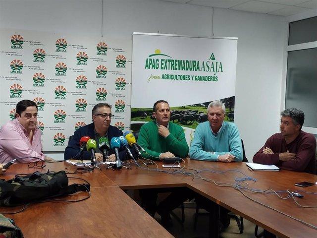 Representantes de las organizaciones agrarias convocantes de la manifestación