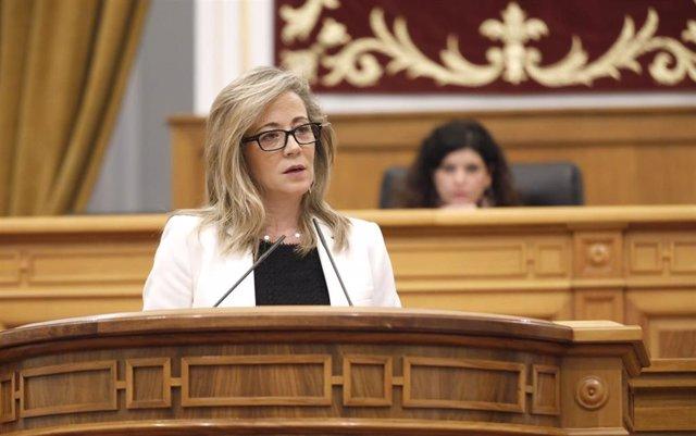 La portavoz del Grupo Parlamentario Popular en las Cortes de C-LM, Lola Merino