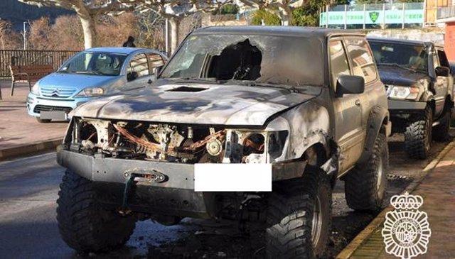 No de los vehículos quemados en Ponferrada (León).