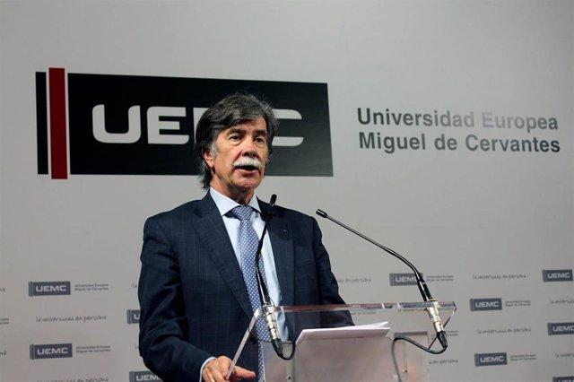El psicólogo forense Javier Urra, en la charla que ha ofrecido organizada por Ajupareva.