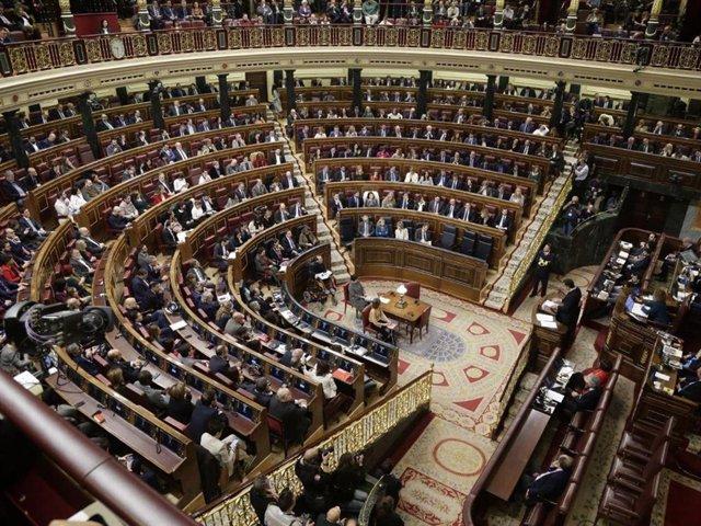Vista general del hemiciclo en la XIV Legislatura en la sesión de investidura