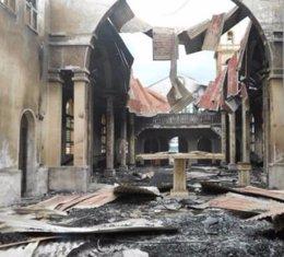 La catedral de Santa Isabel de Malabo, muy afectada tras sufrir un incendio