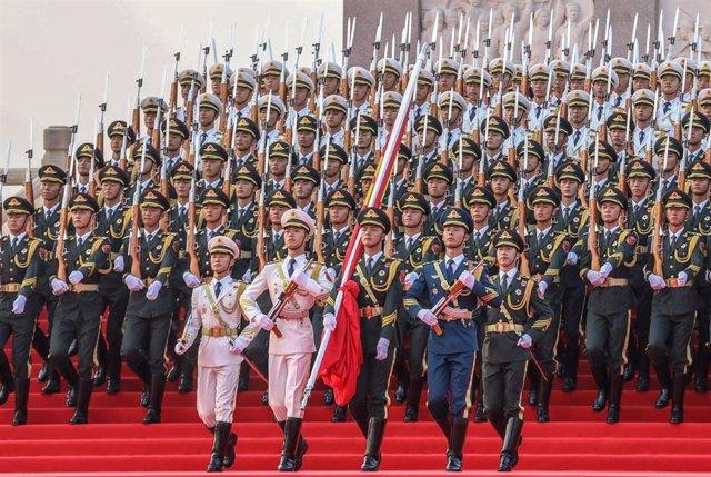 Militares chinos en Pekín