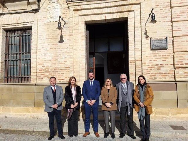 Visita de la consejera de Fomento, Infraestructuras y Ordenación del Territorio, Marifrán Carazo, al Ayuntamiento de Fuentes de Andalucía (Sevilla).